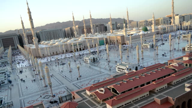 Naboi-haram-(masjed)-at-afternoon-till-sunset-loop