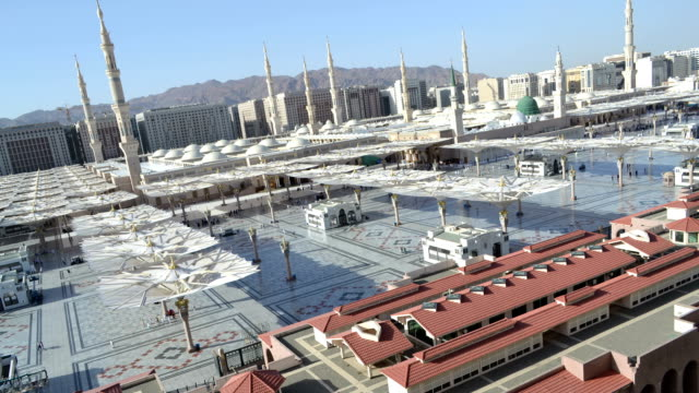 Naboi-haram-(masjed)-at-afternoon-loop