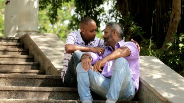 Küssen-Sie-Liebe-und-Romanze-Gay-paar-homosexueller-Mann-LGBT-Personen