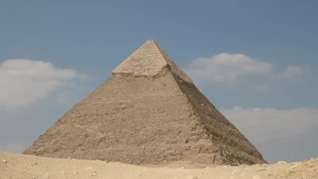 Vergrößern-Sie-die-Pyramide-des-Chephren-in-Gizeh
