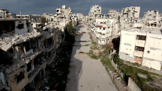 Antena-en-la-calle-de-Siria-bajo-un-cielo-nublado