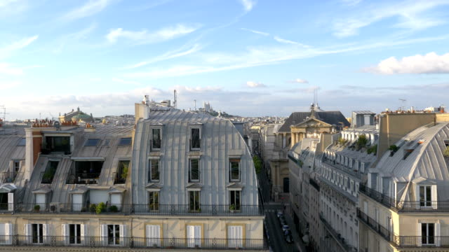 Vista-aérea-de-Sacre-Coeur-en-París-en-cámara-lenta-120fps