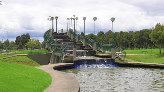 Bogotá-Simon-Bolívar-Parque-cascada-artificial