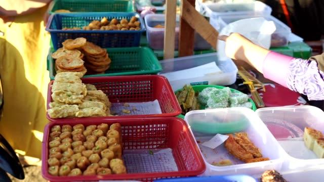 vendor-sale-Traditional-Local-cakes-at-Ramadan-Bazaar