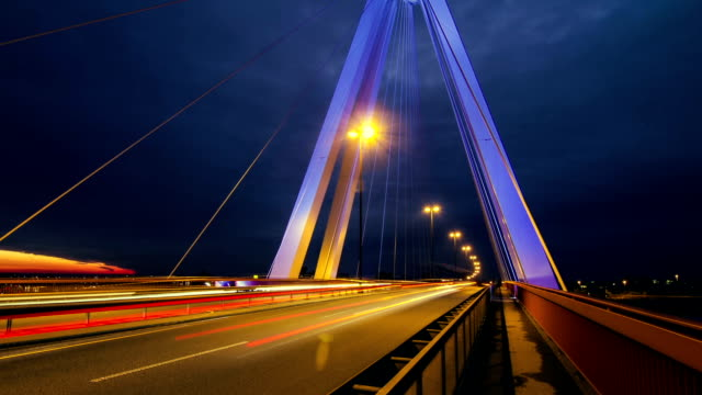 Timelapse-of-highway-/-street-systems-/-bridge