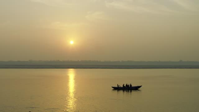 Barco-en-el-río-Ganges