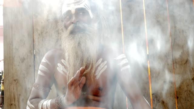 Retrato-de-un-santo-Sadhu-India