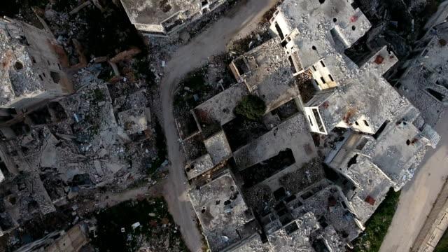 Vista-aérea-sobre-las-casas-destruidas-en-Alepo