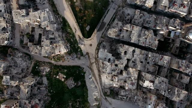 De-cerca-en-las-devastadas-calles-de-Aleppo