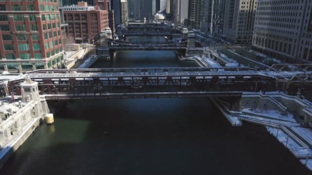 Centro-de-la-ciudad-Chicago-y-Riverwalk-03