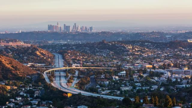 Los-Angeles-el-4-de-julio-día-de-los-fuegos-artificiales-para-Timelapse-atardecer-noche
