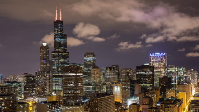 Willis-Tower-and-Chicago-Skyline-at-Night-Timelapse