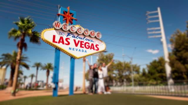 Famous-Las-Vegas-sign-time-lapse