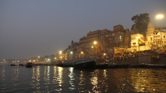 Barcos-en-el-río-Ganges-Varanasi-India