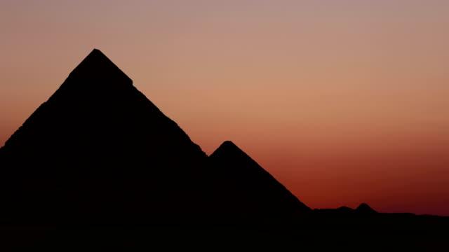 Timelapse-Sonnenaufgang-über-der-Cheops-Pyramide-Gizeh-Ägypten-
