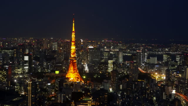 night-shot-of-tokyo-tower-from-the-observation-deck-of-the-mori-tower