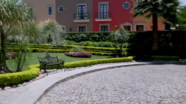 Establishing-shot-of-new-colorful-houses-in-San-Miguel-de-Allende-Mexico