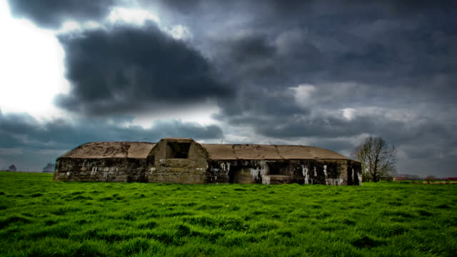 World-war-one-relics-:-bunker-preserved-in-a-meadow