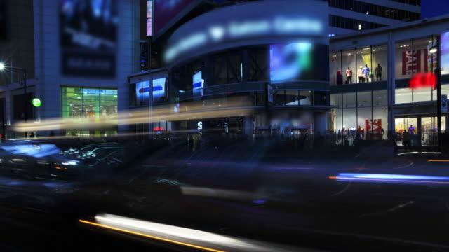 Panning-Timelapse-180°-City-Street-at-Night