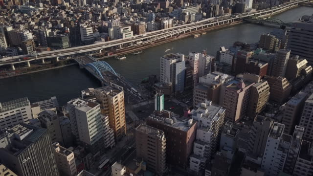The-River-Sumida-Flowing-Through-Tokyo