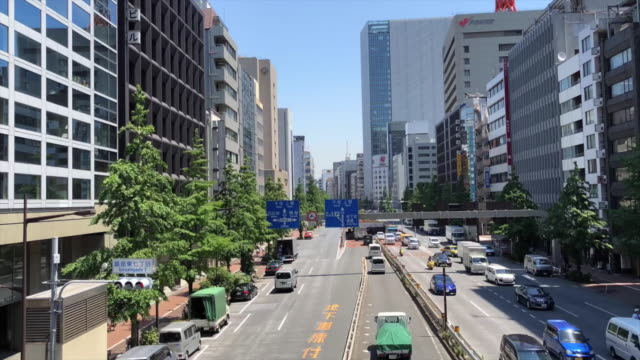 Timelapse-of-Ginza-traffic-in-Tokyo