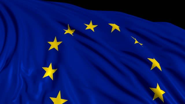 Bandera-Europea-en-cámara-lenta-La-bandera-se-desarrolla-suavemente-en-el-viento