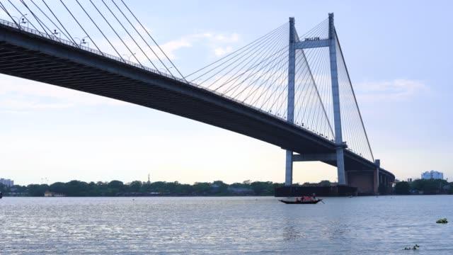 Vidyasagar-Setu-or-Second-Hooghly-Bridge-on-River-Ganges-in-4k