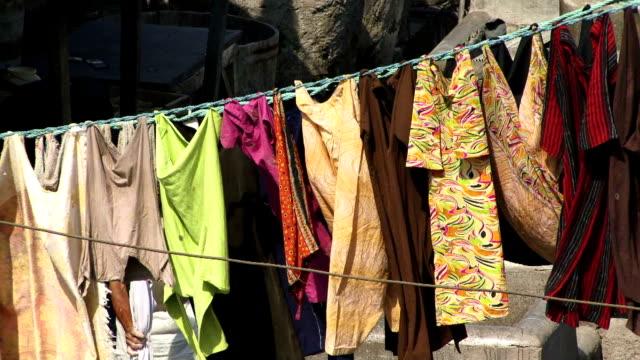 Limpieza-en-seco-para-colgar-en-Mumbai-en-la-India