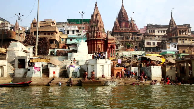 Alltägliche-Szene-in-Varanasi