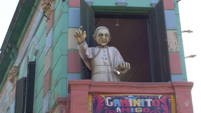 Papa-francisco-marioneta-en-Caminito-La-Boca
