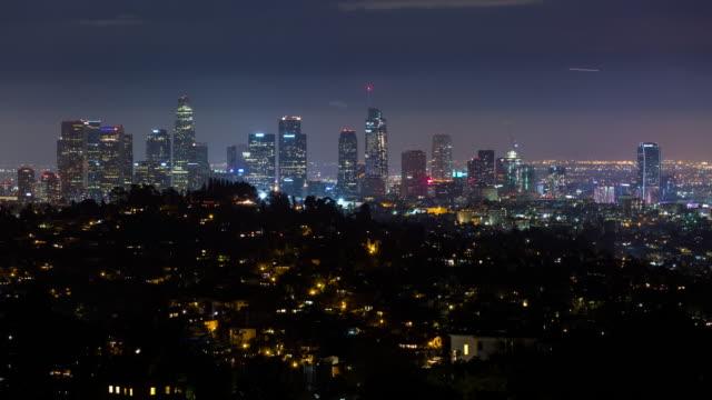 Centro-de-Los-Angeles-batea-tiro-en-Timelapse-de-la-noche-(hora-de-la-tierra)