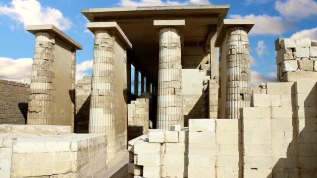 Antike-Tempel-der-Nähe-der-Pyramide-von-Djoser-gebaut-Ägypten-Zeitraffer-