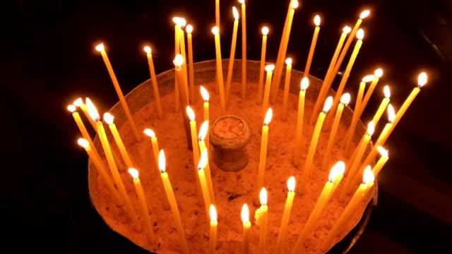 El-fuego-santo-en-el-Santo-Sepulcro-en-Jerusalén