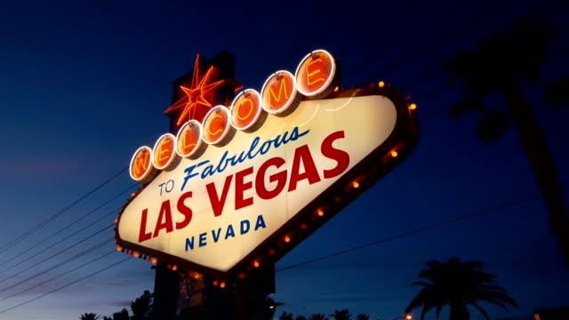 Video-von-welcome-to-fabulous-Las-Vegas-Sign-in-der-Nacht-in-4K