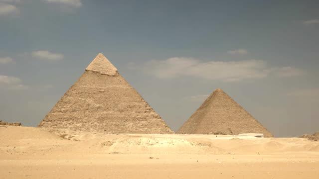 """Pyramiden-von-Cheops-und-Chephren-in-Gizeh-bei-Kairo-Ã""""gypten"""