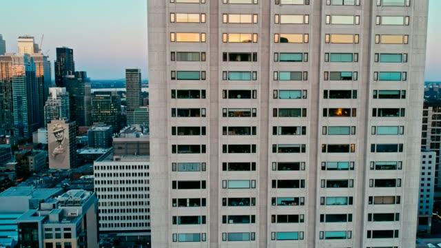 imágenes-de-drone-Areal-de-montreal-Canadá-al-atardecer