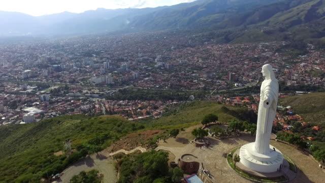 Cristo-de-la-Concordia-punto-turístico-destino-vista-aérea-Drone