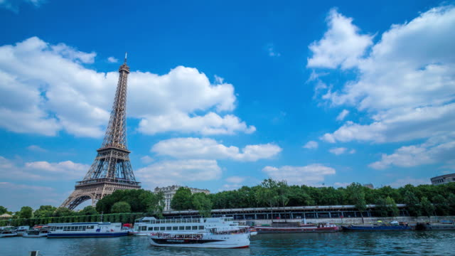Torre-Eiffel-y-el-río-Sena