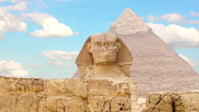 TIMELAPSE-Wolken-über-Der-Cheops-Pyramide-und-Sphinx-Gizeh-Ägypten-v-1