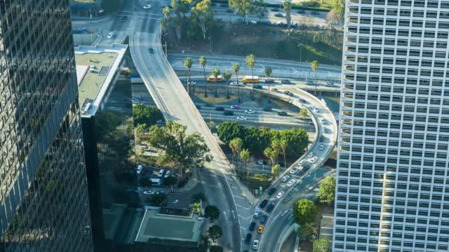 Centro-de-Los-Angeles-de-azotea-autopista-aérea-día-Timelapse