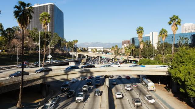 Centro-de-Los-Ángeles-autopista-día-Timelapse