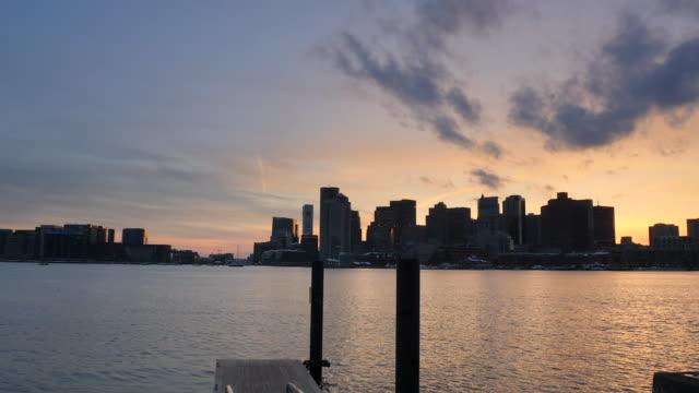 Lapso-de-tiempo-de-puesta-de-sol-de-Boston-Centro-de-inundaciones-plataforma