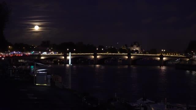 Puente-de-Alexandre-III-París-Francia