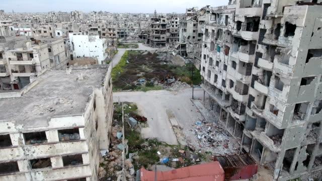 Foto-aérea-en-la-calle-después-de-bombardeo