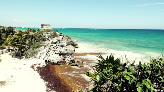 Mayan-Ruins---Temple-Overlooking-Beach---Long-Shot