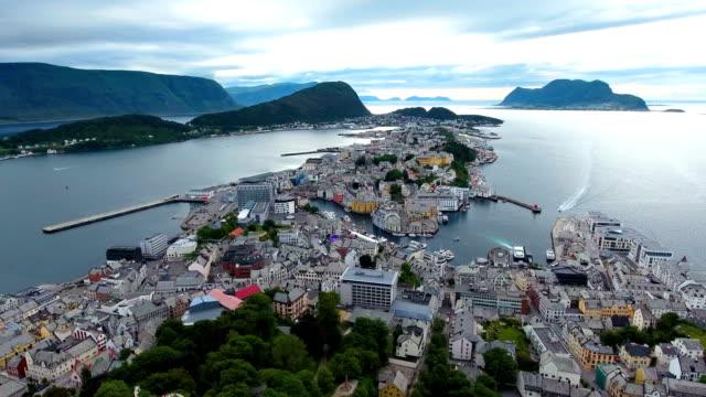 Imágenes-de-la-ciudad-de-Ålesund-Noruega-aérea