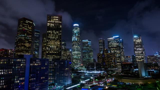Centro-de-la-ciudad-de-Los-Ángeles-en-la-noche