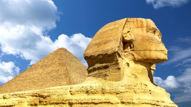 Große-Sphinx-einschließlich-Pyramide