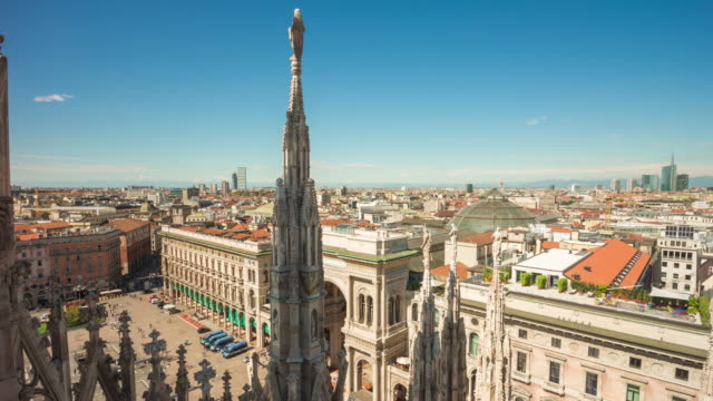italy-day-milan-famous-duomo-cathedral-rooftop-view-point-panorama-4k-time-lapse