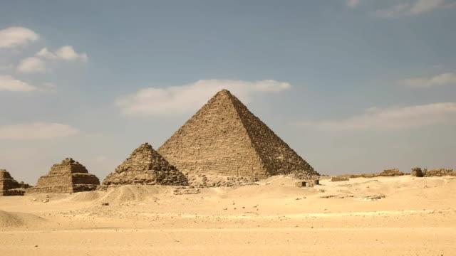 """niedrigen-Winkel-Pfanne-der-Pyramiden-von-Gizeh-bei-Kairo-Ã""""gypten"""